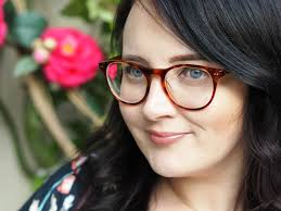 five practical everyday makeup tips for glasses wearers london