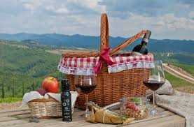 Best Picnic Basket Picnic Spots In The Chianti Region The Best Places For Outdoor Dining