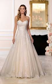 classic wedding dresses affordable classic wedding dress stella york wedding dresses