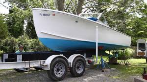 how to properly take your boat off its trailer with master