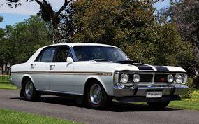 Australian Muscle Cars - motoring enthusiasts bid u0027farewell u0027 to shannons historic auction