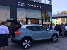 2019 volvo xc40 debuts in milan kelley blue book