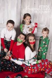 25 more cute family christmas picture ideas family christmas