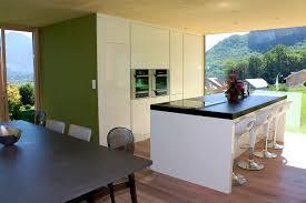 cuisine ilot centrale design ilot central design cuisine blanche avec bar de djeuner