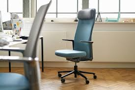 Minimalistic Desk Vitra Pacific Minimalist Desk Chair Gadget Flow