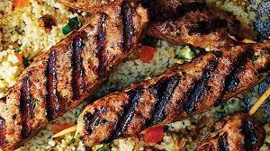 cuisine marocaine facile et rapide brochettes d agneau épicées à la marocaine et salade de couscous