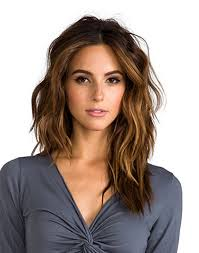 hair style ideas with slight wave in short love these caramel face framers to slightly lighten a deep