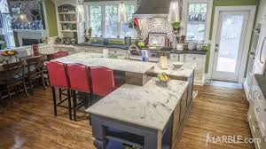 single island or raised breakfast bar kitchen tips