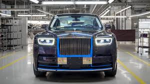 roll royce car 2018 first 2018 rolls royce phantom heading to auction in january