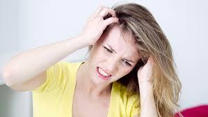 prurito testa e corpo prurito in testa e al cuoio capelluto rischio di caduta capelli
