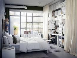 schreibtisch im schlafzimmer kleine räume schlafzimmer mit arbeitsplatz bild 6 schöner