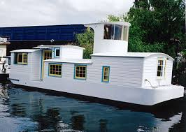 Airbnb Seattle Houseboat šbuilt In 1986 And Still Afloat This 420 Square Foot 1 Bedroom