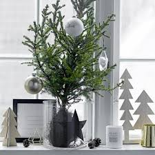 Christmas Decorations For Window Sills by 45 Window Sill Decoration Ideas U2013 Original And Creative Design Ideas