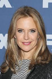 soft hairstyles for women over 50 kelly preston s soft waves medium length hairstyles for women