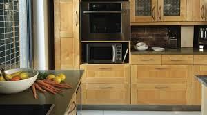 armoire pour cuisine des moulures pour transformer des armoires rénovation bricolage