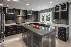 cuisine couleur grise cuisine gris blanc et bois 100 images grise la