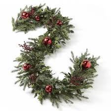 Pre Lit Decorated Christmas Wreaths by Best 25 Pre Lit Christmas Garland Ideas On Pinterest Pre