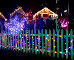 yogi bear christmas lights deal 20 for garden of lights admission for one car at brookside