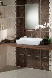 Glass Tile Bathroom Ideas by Best 25 Brown Tile Bathrooms Ideas Only On Pinterest Master
