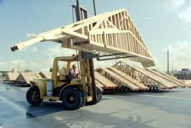 prefabricated roof trusses forklift moving prefabricated roof trusses at aci kimtruss los