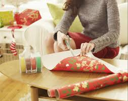 you u0027ve been wrapping gifts wrong your entire life this year you