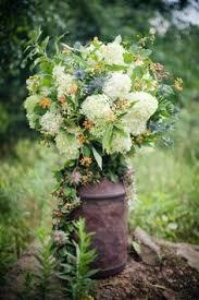 30 rustic country wedding ideas with milk churn milk jugs