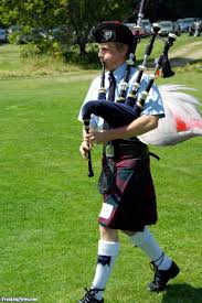 scottish flamingo bagpipes pictures freaking news