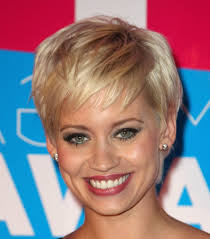 short hairstyles round face women medium haircut