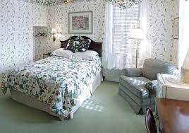 Quilted Reception Desk Bird In Hand Village Inn U0026 Suites Bed U0026 Breakfast In Lancaster