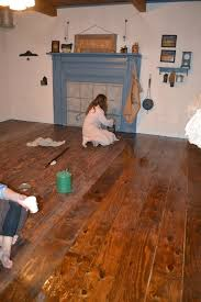 farmhouse floors a baker s dozen barnhouse frugal farmhouse wood floors