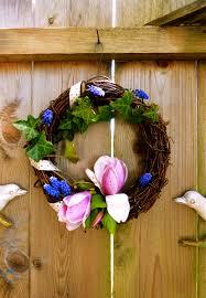 diy foraged spring wreath under the plum blossom tree