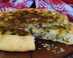 cuisiner les restes de poulet roti recette de tarte aux restes de poulet rôti et pommes de terre