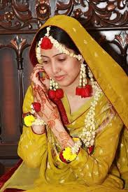 wedding flowers jewellery efath nisartmacka