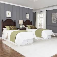 Bedroom Designs For Two Twin Beds Country Comfort Two Twin Beds And Nightstand Homestyles