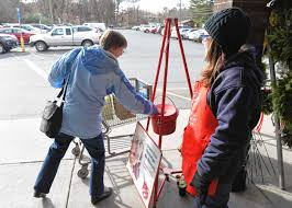 Salvation Army Volunteer Thanksgiving Ahead Of Thanksgiving Salvation Army Bell Ringers Volunteer Stay