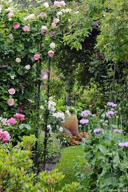 fontaine de jardin jardiland les 25 meilleures idées de la catégorie pierres de jardin sur