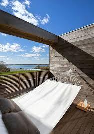 terrasse en bois suspendue hamac suspendu