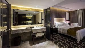 chambre d hotel luxe chambre d hôtel de luxe image stock image du meubles 58379779