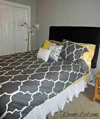 Diy Quilted Headboard by Diy Upholstered Headboard Kiss My List
