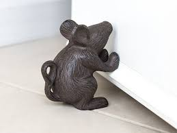 amazon com cast iron mouse door stop decorative rustic door