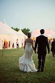 outdoor tent wedding 20 ingenious tips for throwing an outdoor wedding bridalguide