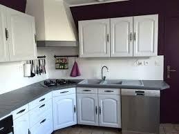 renovation cuisine rustique chene cuisine blanche murs aubergine