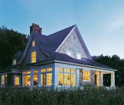Shingle Style Cottage | 2 300 square foot shingle style house with porches terraces and