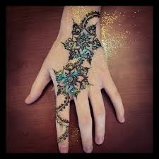 16 best tattoos images on pinterest drawing flowers and hennas