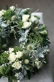 trauersprüche für kränze weiß grün silber grab gestaltung u trauersprüche