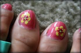 tails to tell two tone hibiscus nails