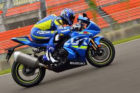 suzuki motorcycle hayabusa new suzuki hayabusa confirmed motorbike writer