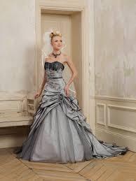 robe de mariã e grise et blanche robe mariage grise le de la mode