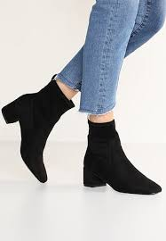 womens ankle boots uk leather s ankle boots booties zalando uk