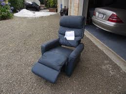 Lazy Boy Patio Furniture Covers - lazy boy chair recycling into functional outdoor furniture
